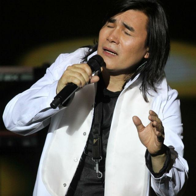 фото известных певцов в казахстане