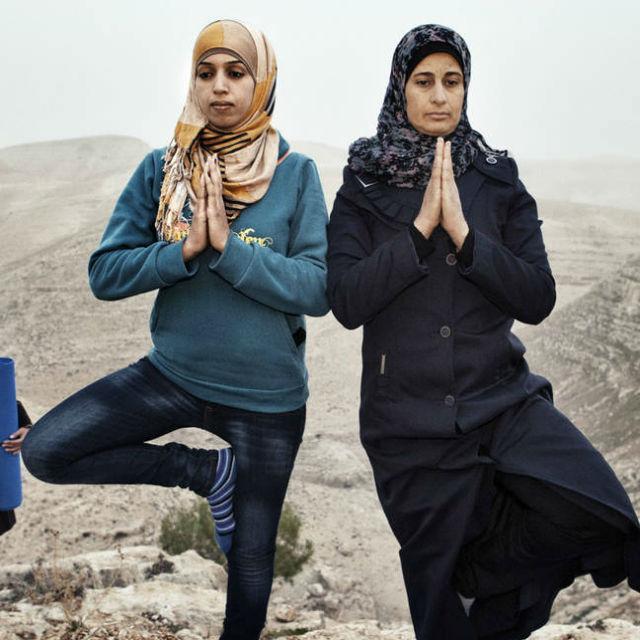 Белокурая в плену у арабов видео — pic 5