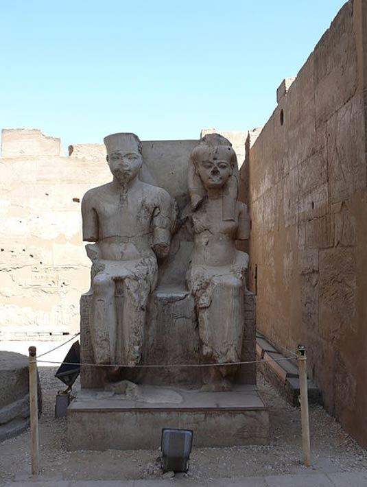 Безносые египетские статуи - 2