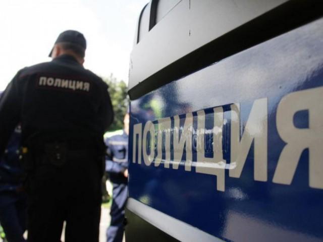 Полицейские Екатеринбурга задержали молодую мать с грудничком на руках за  то, что она продавала пучки укропа. Инцидент произошел в Орджоникидзевском  районе ... ecf48542691